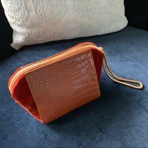 Adorable pint size handbag
